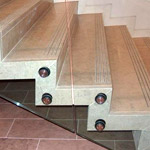 Treads in marble, granite, limestone, slate and basalt.